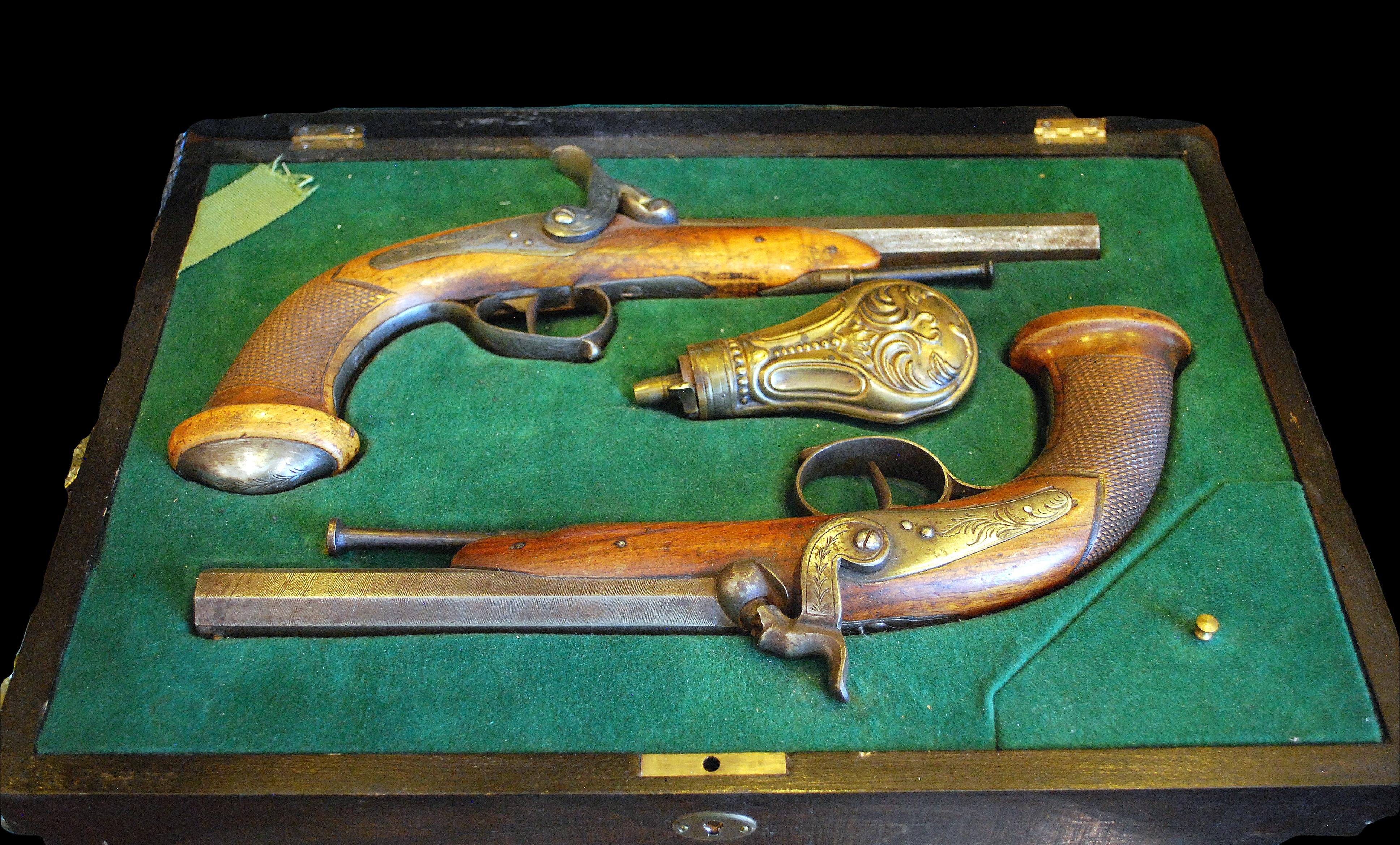 Liege marked pistol sete
